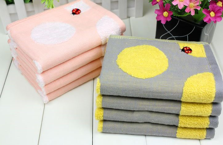 New Arrival Comfortable Skin Care Ladybug Print Candy Color Soft Children Towel