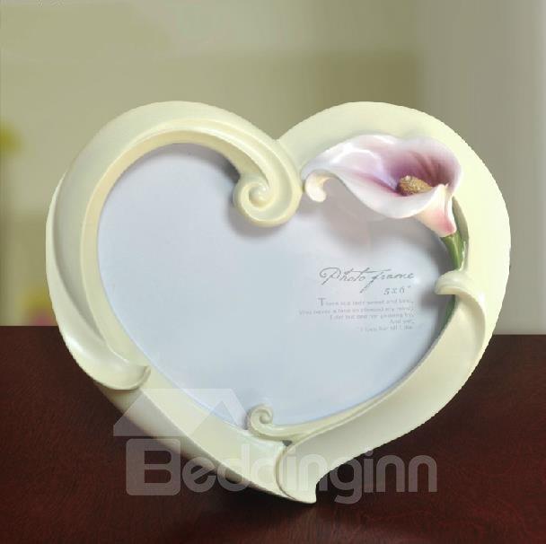 Tulip Style Heart Shape White Photo Frame