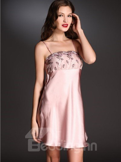 High Quality Beautiful Appliqued Lace Skincare Mulberry Silk Sleepwear