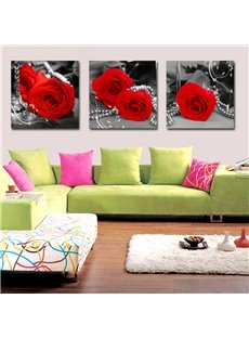 Elegant and Modern Red Roses And A String of Pearls Film Framed Wall Art