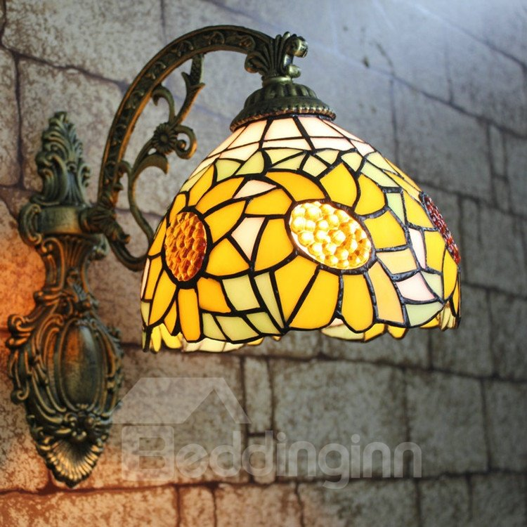 Alluring Tiffany Style Sunflower Pattern Stained Glass Wall Light