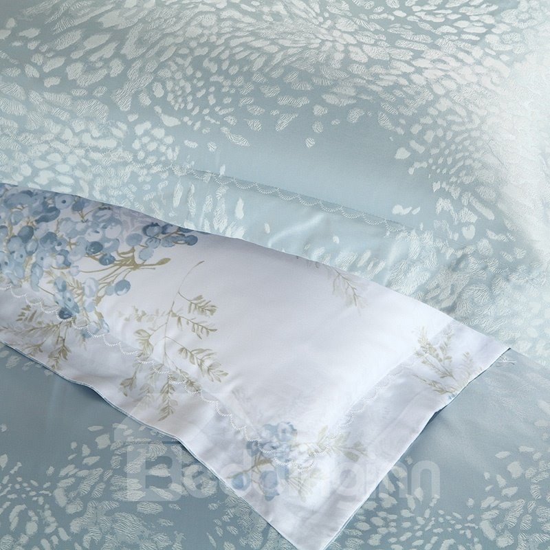 High Quality Gorgeous Silk Gray Color Print 4 Pieces Summer Bedding Sets