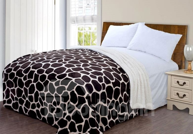 High Quality Deer Lines Pattern Blanket