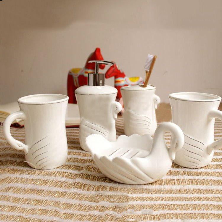 Quality White Swan Pattern Ceramic Bathroom Accessory