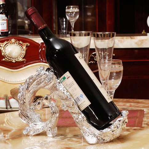 Best Selling Fashion Luxury European Resin Peacock Red Wine Rack