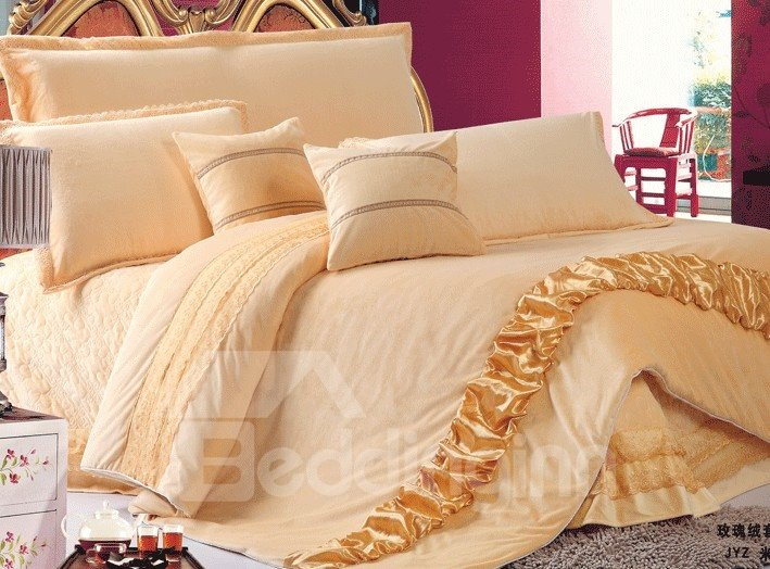 Luxury Court Style 4-Piece Coral Fleece Bed in a Bag Sets
