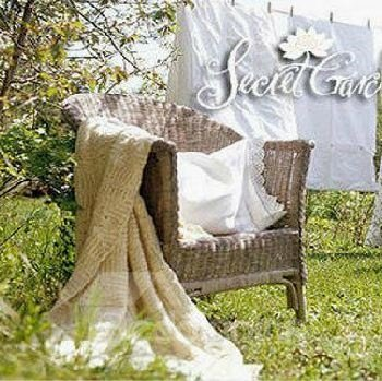 Gorgeous Elegant Beige Heart Shape Country Style Blanket