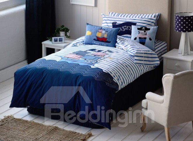 Pirate Ship on The Sea Pattern 2-Piece Cotton Duvet Cover Sets