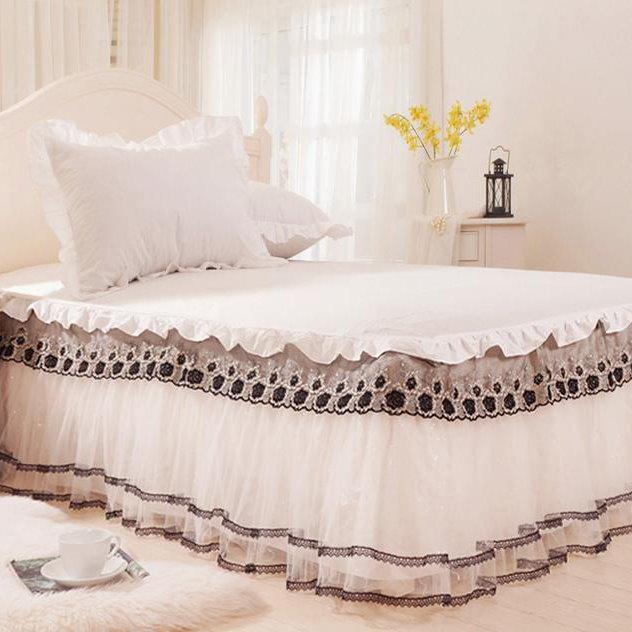 Fantastic Beige Lace Border Black Flowers Pattern Bed Skirt