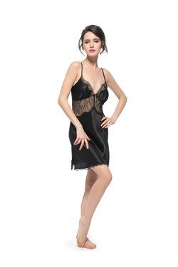 Gently Pleated Bust and See-Through Lace Stitched with Silk Chemise