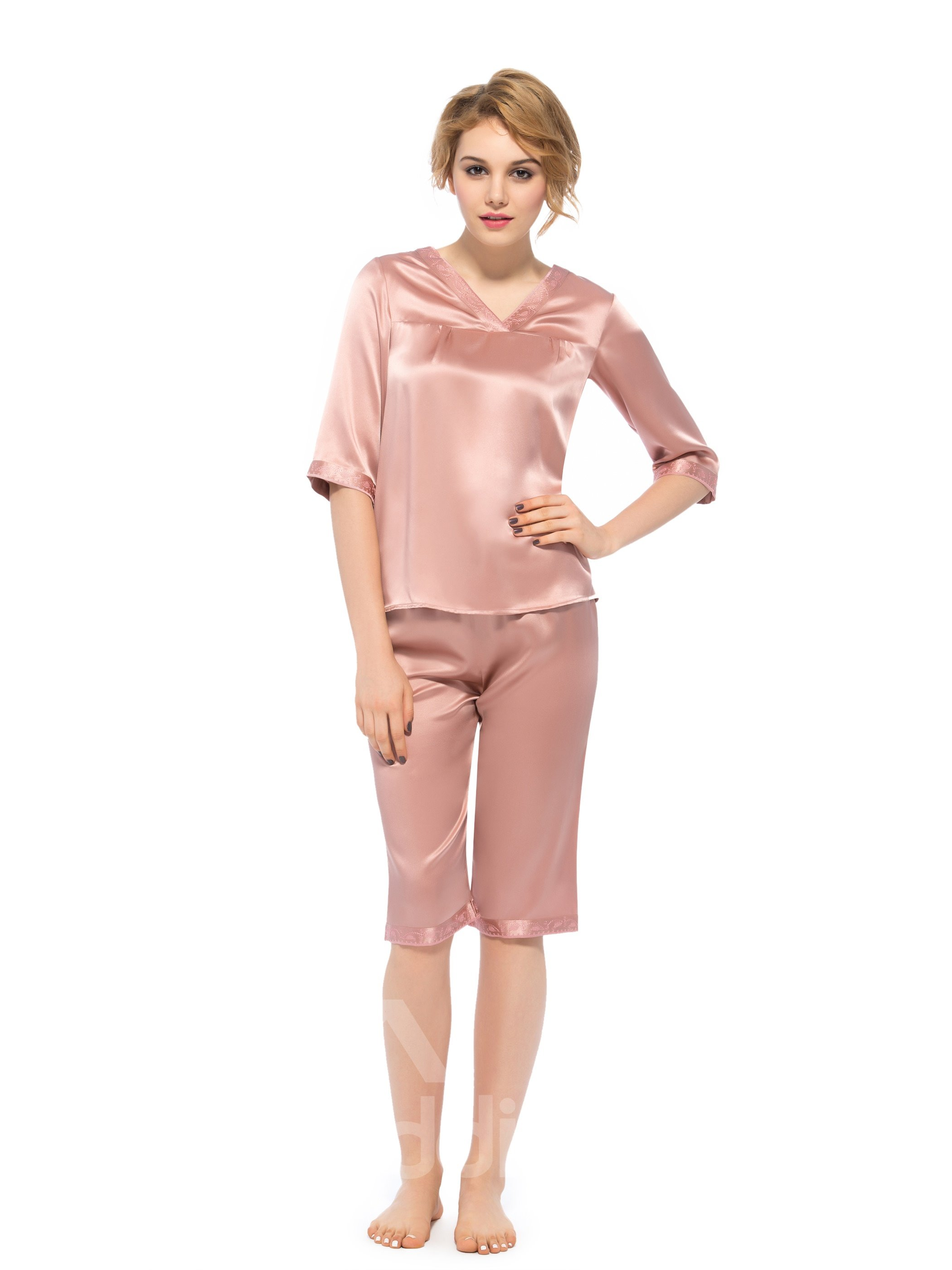 Wonderful Pretty Half Cuff V-Neck Embroidery Silk Pajamas