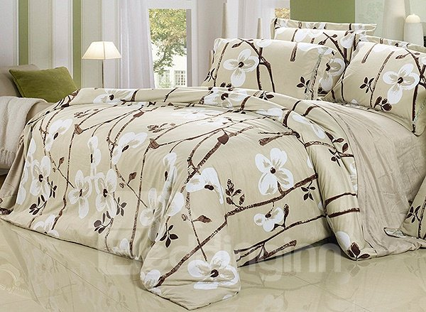 Elegant White Flower Print 4-Piece Flannel Duvet Cover Sets