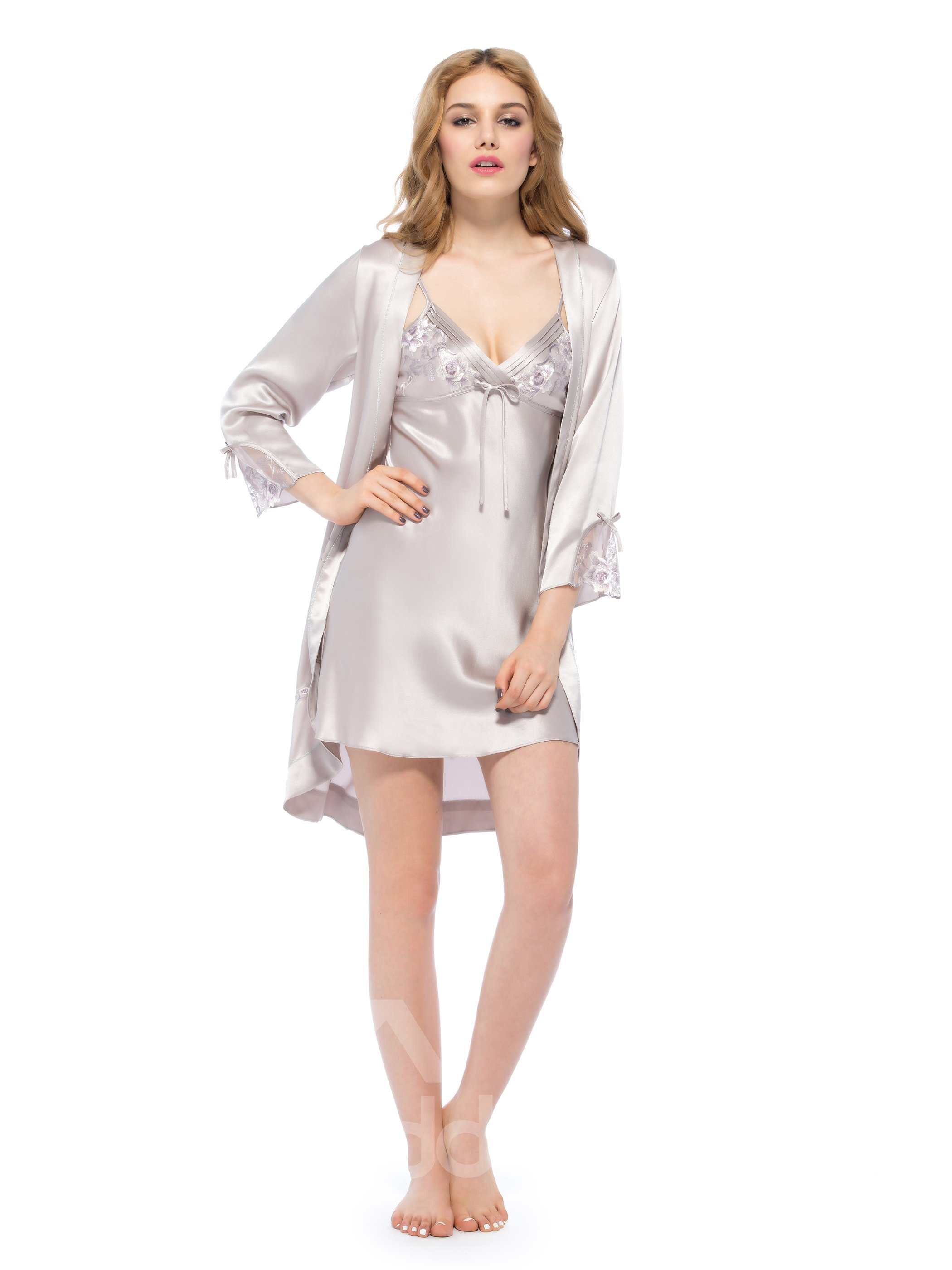 Fantastic Embroidery Silk Robe and Chemise Set