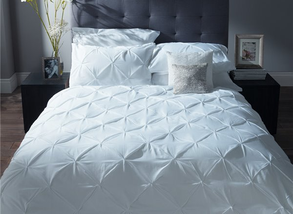 Pure White Pinch Pleat 4-Piece 100% Cotton Princess Duvet Cover Sets