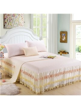 High Quality Light Yellow Floral Stripes Pattern Lace Bed Skirt