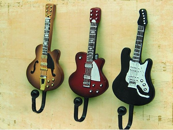 Unique Vintage Chic Guitar Shape 3-piece Hooks