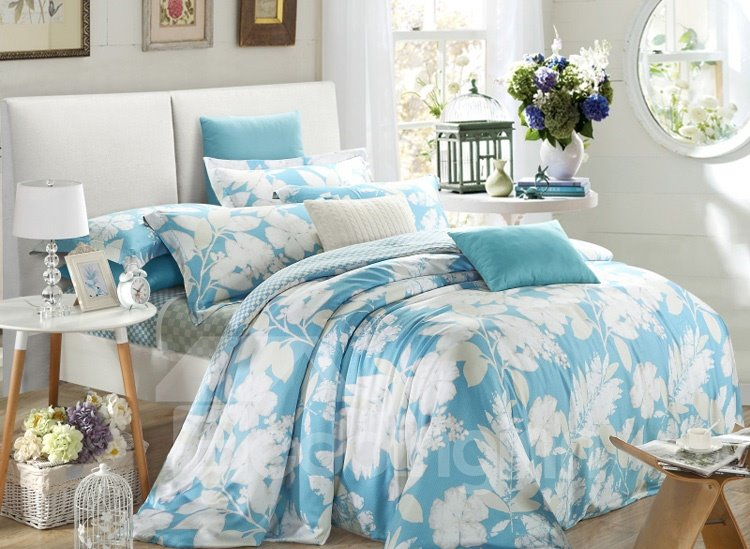 White and Blue Scenery 4-Piece Tencel Duvet Cover Sets