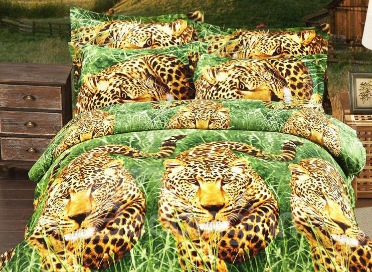 Leopard in Woods Print 4-Piece Polyester 3D Duvet Cover Sets