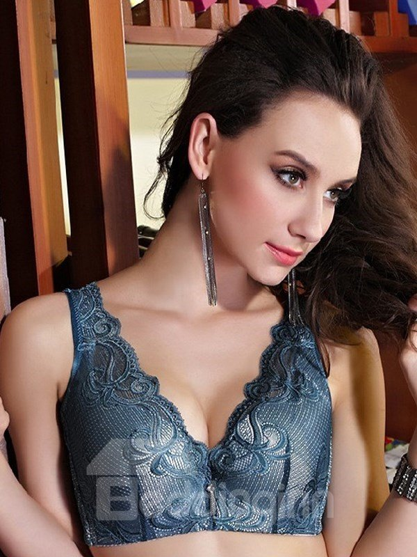 Charming Full Lace Sports Style Push-up Wireless Bra