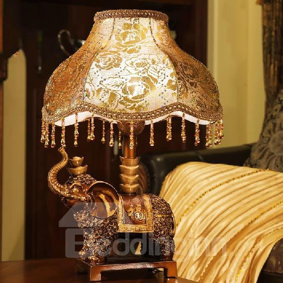 European Classic Unique Design Resin and Cloth Lamp