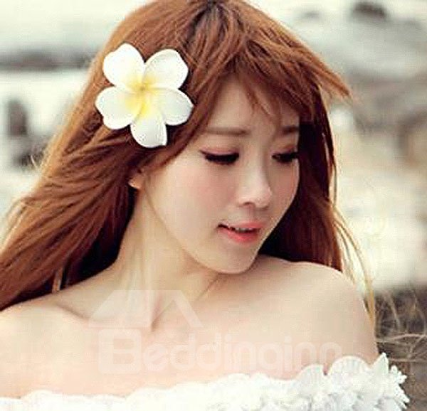 Elegant White Flower with Hairpin