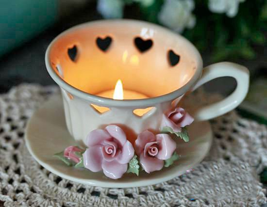 https://www.beddinginn.com/product/Fantastic-Original-Top-Quality-Flower-And-Heart-Design-Cup-Shape-Candle-Holder-11394510.html