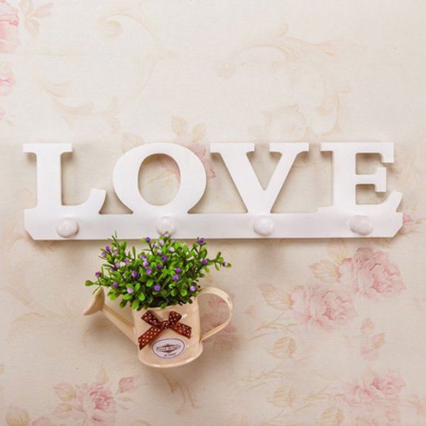 Romantic 4-Hook Love Wood White Wall Hook