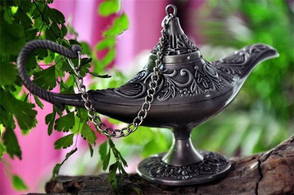 Magical  Attractive and Original Lamp of Aladdin Artware