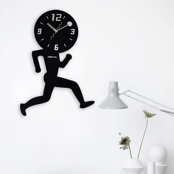 Creative Decorative Wood Running Man Mute Wall Clock
