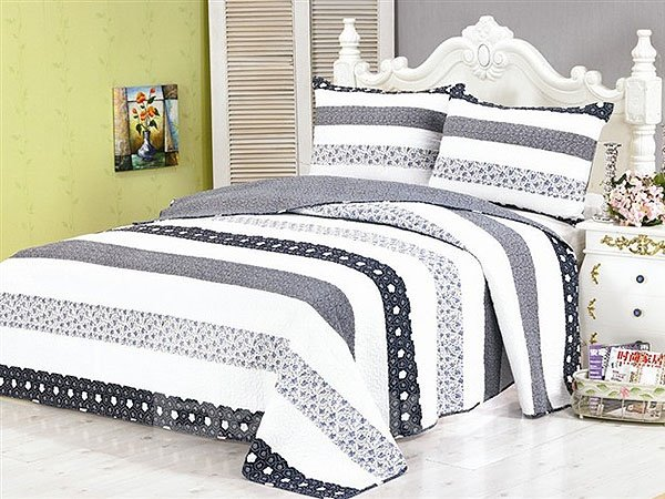 Classical Fashion Stripe Style 3-Piece Bed in a Bag