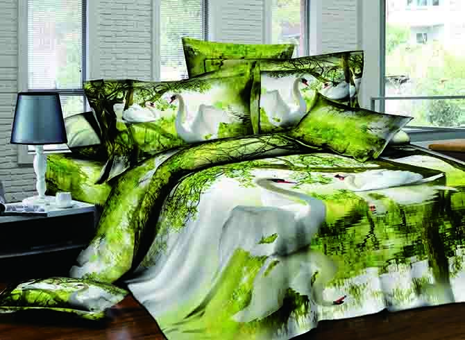 Swan Flapping Wings on Lake Green 4-Piece Cotton Duvet Cover Sets