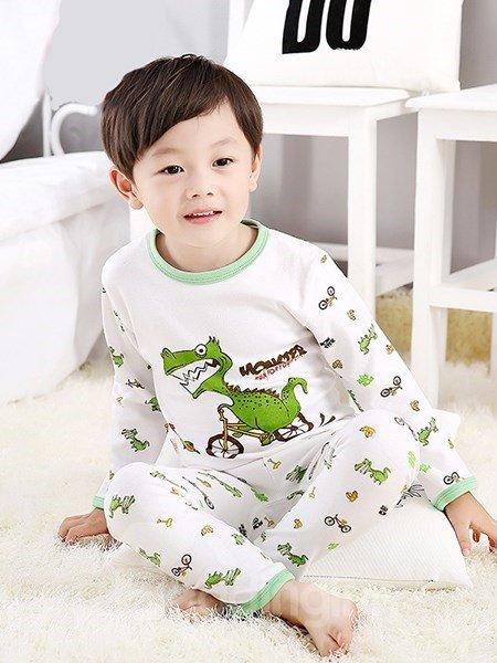 Lovely Dinosaur Chasing Chicken Print Kids Pajamas