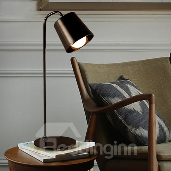 Classic Simple Iron Bedside Study Table Lamp