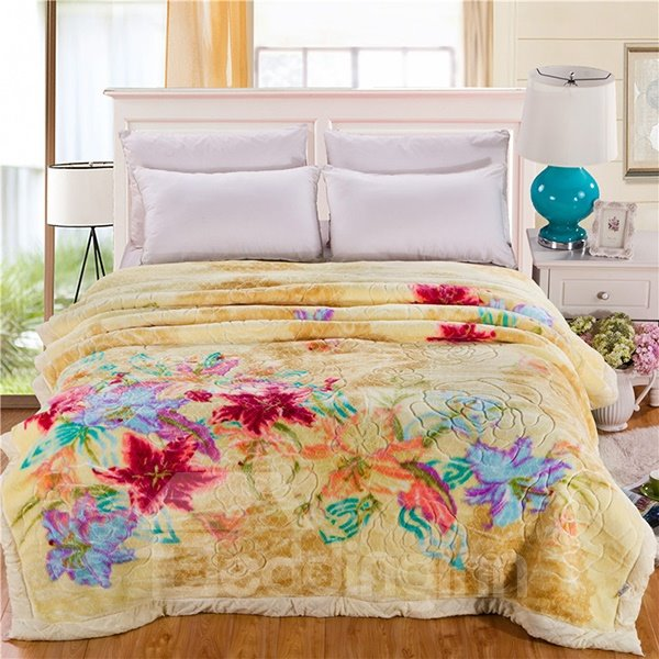Refreshing Pastoral Floral Design Yellow Raschel Blanket