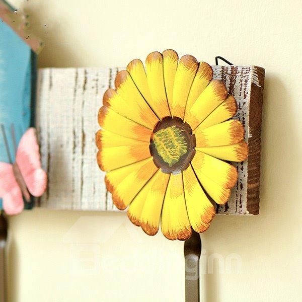 Decorative Flower Design Wooden 3-Hook Wall Hook