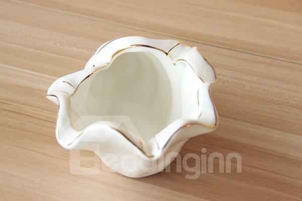 Unique Conch Design Ceramic Ashtray
