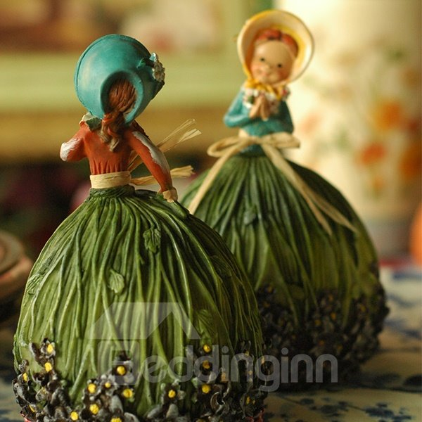 Wonderful Cute Edinburgh Girls Design 1-Pair Resin Desktop Decoration
