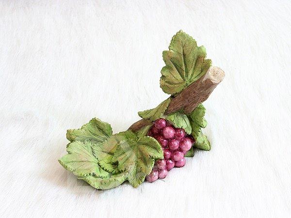 Unique A Cluster of Grape Design Resin Wine Rack