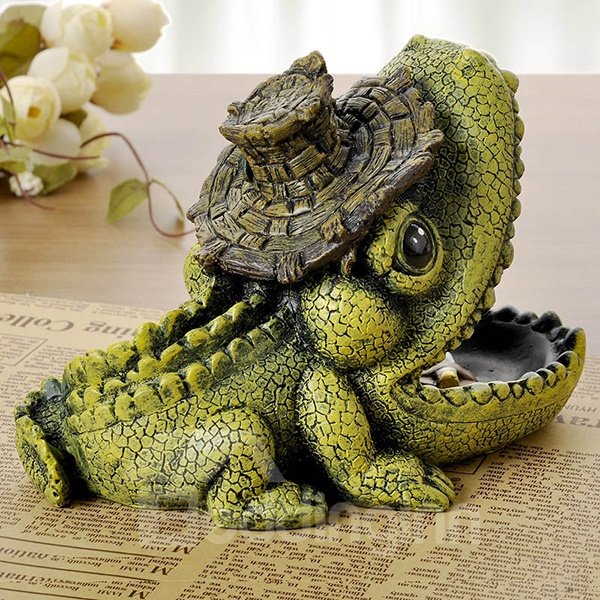 wonderful vivid crocodile design resin ashtray desktop decoration. Black Bedroom Furniture Sets. Home Design Ideas