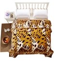 Fashion Golden Leopard Flannel Blanket for All Seasons