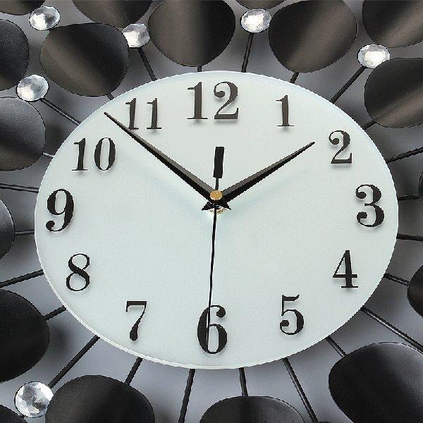 Modern Unique Black Leaves Pattern Diamond Decorative Wall Clock