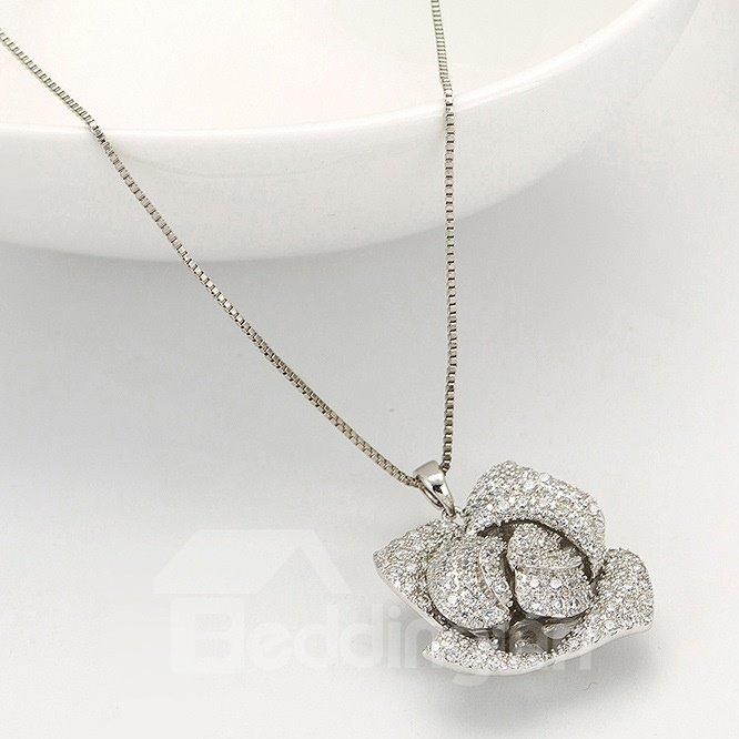 Shining Rhinestone Rose Design Pendant Necklace