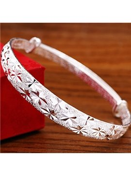 Women' s Fashion Sterling Silver Star Engaving Bangle
