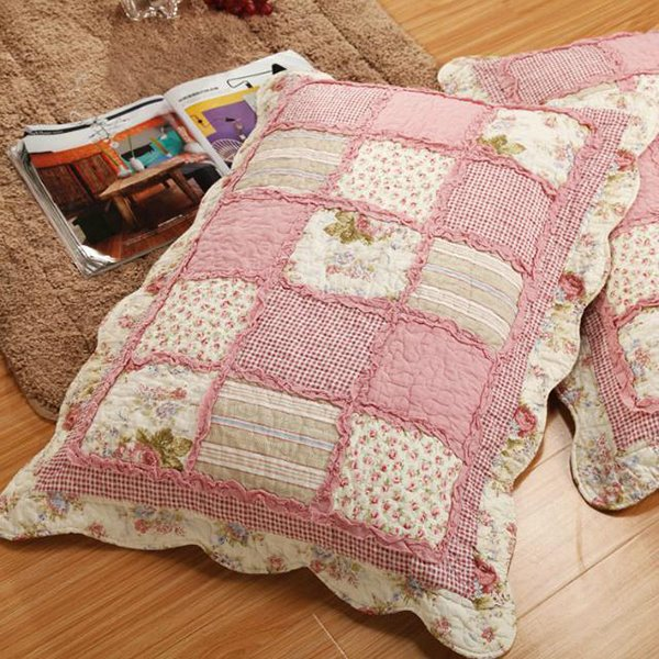 Sweet Pink Plaid 3-Piece Bed in a Bag with Flowers Printing