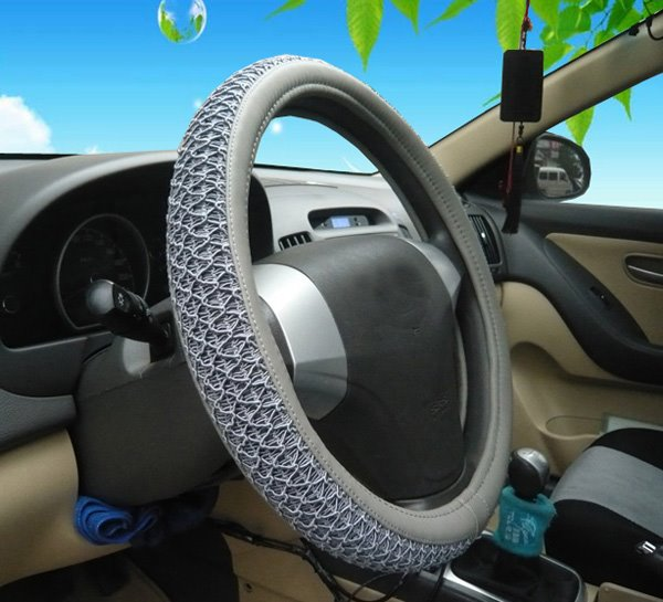 Durable PVC Leather And Ice Silk Material Mixing Classic Business Design Car Steering Wheel Cover