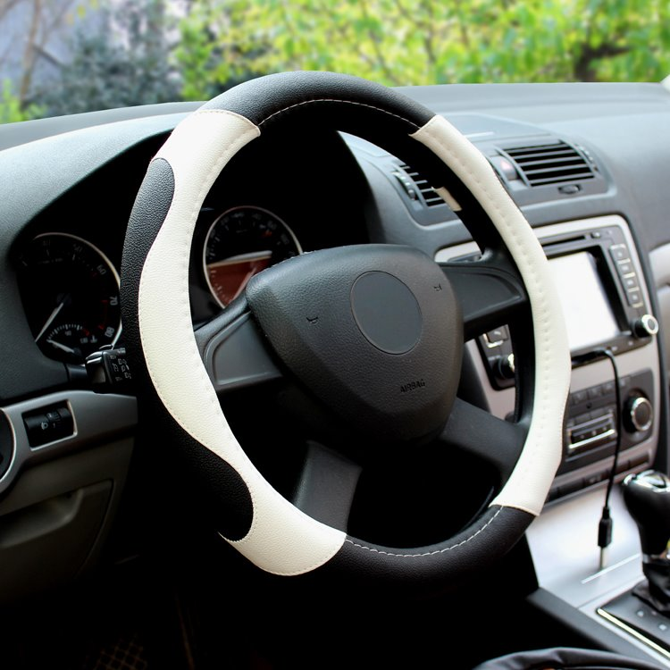 Fashionable And Popular Steering Wheel Covers Make your Car More Attractive