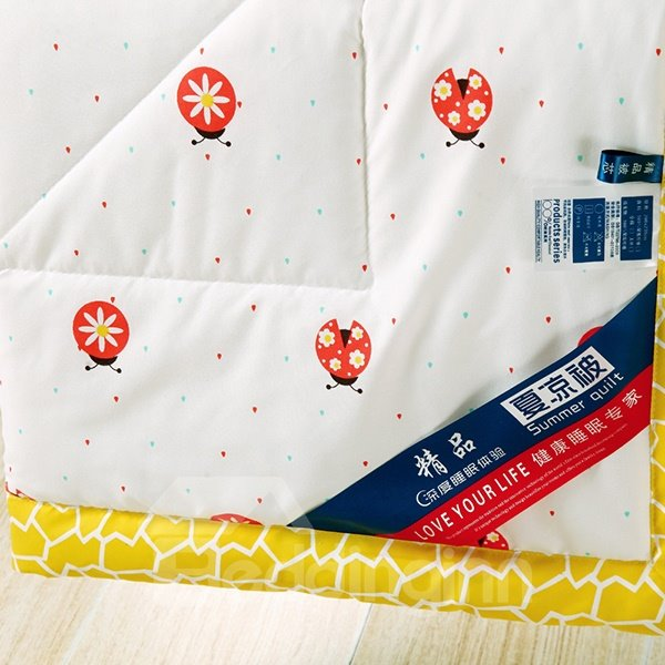 Lovely Ladybird Reactive Printing White Polyester Quilt