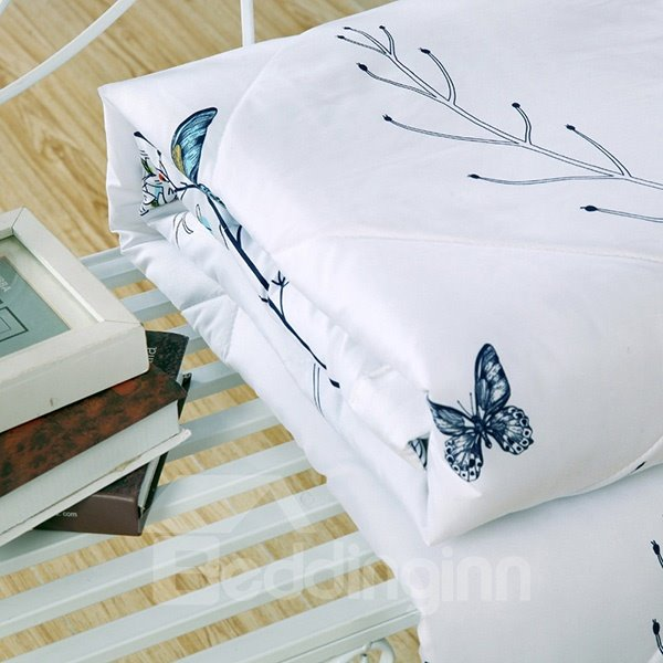 Pastoral Style Butterflies and Flowers Print White Polyester Quilt