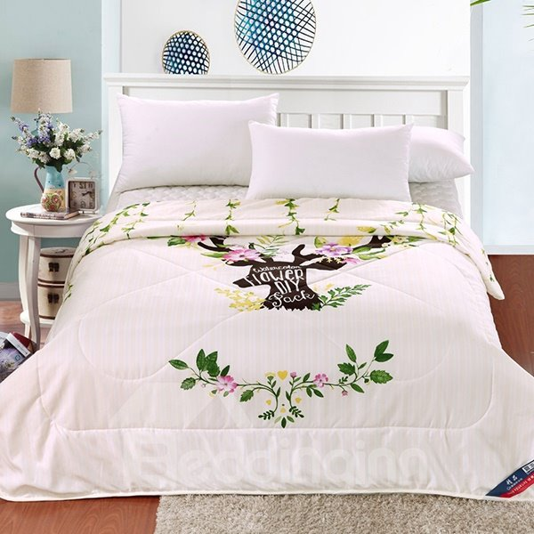 New Arrival Pretty Adorable Reindeer Polyester Summer Quilt