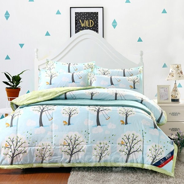 Dreamlike Tree Pattern Sky Blue Polyester Summer Quilt